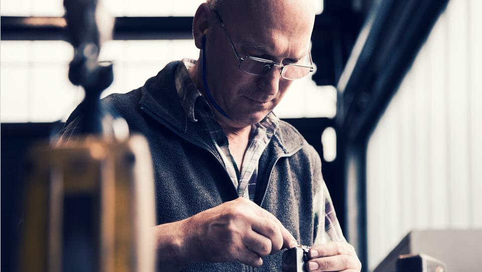 Metallverarbeitung-Höver & Sohn | Leppe Edelstahl - Stahlbearbeitung - Vergütung und Formgebung - 80 Jahre zertifzierte Erfahrung - Lindlar | NRW